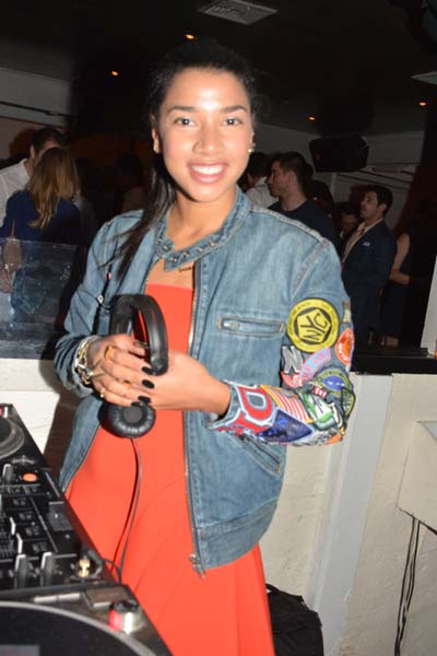 Hannah Bronfman DJ.  Photo by:  Rose Billings/Blacktiemagazine.com