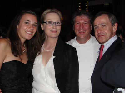 July 31, 2009 – After last night's New York screening of Julie & Julia, stars of the film and their guests celebrated at New York's exclusive Manhattan Club.  The President and CEO of Le Cordon Bleu André Cointreau (right in first picture) attended the event with his daughter and French socialite/popular blogger, Isaure, and the Le Cordon Bleu International Executive Corporate Chef Patrick Martin.  Cointreau congratulated Streep on her successful portrayal of Julia Child, who discovered and mastered the art of French cuisine at Le Cordon Bleu Paris.
