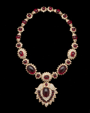 Maharani-style necklace, about 1980. Copy of Jacqueline Kennedy Onassis's Van Cleef and Arpels necklace given to her by Aristotle Onassis as a wedding present in 1968. Photography by Erik Gould, courtesy of Museum of Art, Rhode Island School of Design and Kenneth Jay Lane