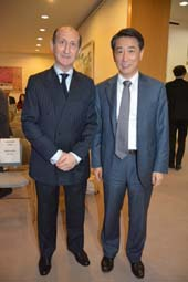 David P. Michaels, President of The Foreign Press Association and Oh Joon, Ambassador Permanent Representative  at The Mission of the Republic of Korea to the United Nations.  Photo by:  Rose Billings/Blacktiemagazine.com