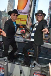 Big and Rich.  Photo by:  Rose Billings/Blacktiemagazine.com