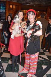 Wendy Diamond and Baby Hope, and Loreen Arbus with her Tinnee Winnee.  Photo by:  Rose Billings/Blacktiemagazine.com