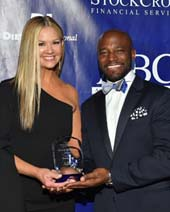 Taye Diggs presented the Spirit of Entertainment Award to Nancy O'Dell, co-anchor of Entertainment Tonight