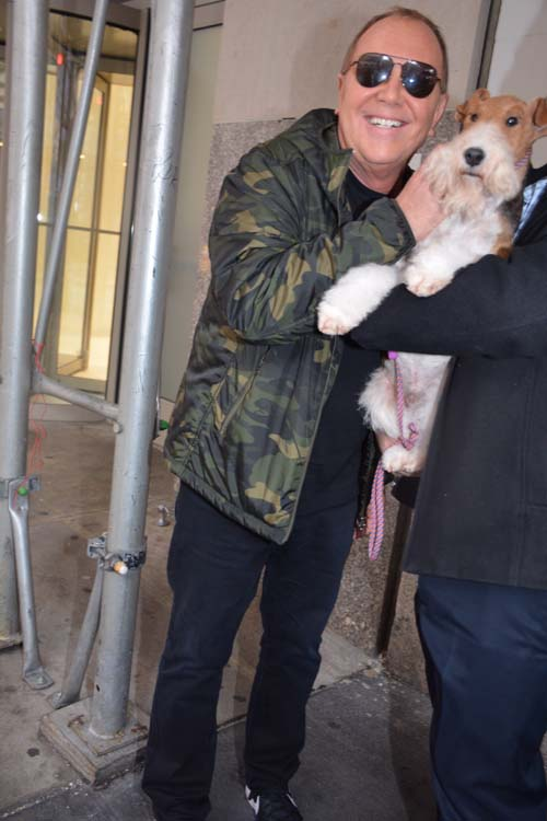Michael Kors greeting Top Dog King leaving Sardis.  Phto by:  Rose Billings/Blacktiemagazine.com