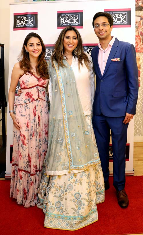 Meeera Gandhi with Yash and Binaisha Dongre.  Photo by: Photos By  Snaps India, Jaffer